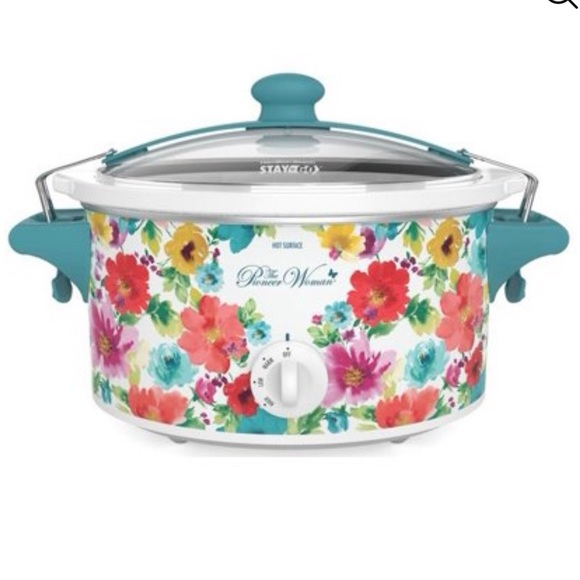 The Pioneer Woman 6 at portable slow cooker